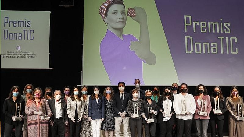 Les guanyadores dels Premis DonaTIC 2021, un referent per continuar apoderant dones en l'àmbit tecnològic